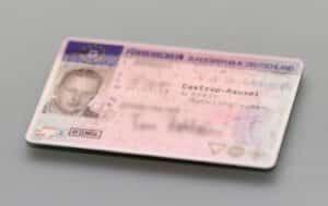 Der Antrag auf den Führerschein erfordert im Vorfeld einige Tests und entsprechende Bescheinigungen, die die Fahrtauglichkeit der Person belegen
