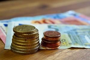 Die für den Führerschein zu bezahlenden Kosten können mit einfachen Tipps und Tricks auf ein normales Level gebracht werden