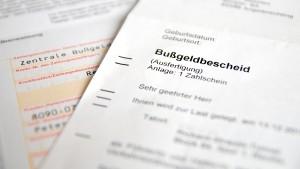 Eine Ordungungswidrigkeit, die zwei Punkte in Flensburg nach sich zieht, bedeutet noch keinen Entzug der Fahrerlaubnis