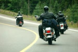 Mit dem 125-ccm-Führerschein dürfen verschiedene Fahrzeugtypen gefahren werden: Krafträder und dreirädrige Kraftfahrzeuge.