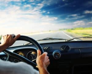Beim Fahren ohne Fahrerlaubnis fallen die Sanktionen um einiges höher aus.
