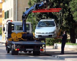 Das Fahren ohne gültigen Führerschein kann in Ausnahmefällen zum Entzug des Fahrzeuges führen.
