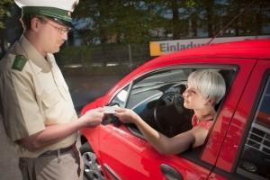 Der vorläufige Führerscheinentzug findet direkt vor Ort statt.