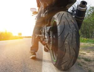 Die Klassen vom Motorradführerschein sind stufenförmig angeordnet. Der A1-Führerschein bildet die erste Stufe.