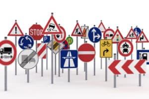 Für den Rollerführerschein gilt es in Theorie und Praxis die erforderlichen Kenntnisse zu erwerben.