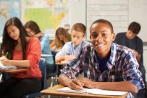 Den Führerschein der Klasse M können Jugendliche in der Schule oder klassisch in der Fahrschule erwerben.