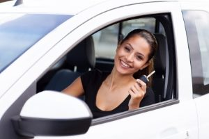 Der Führerschein mit 17 ermöglicht es Jugendlichen früher und unter Beobachtung einen Pkw zu steuern.