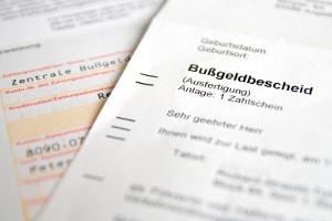 Bußgeldbescheid: Per Einschreiben werden eher vertrauliche Dokumente verschickt.