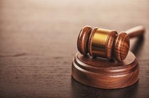 Bußgeldbescheid: Bei einem Einspruch sollten Sie in jedem Fall die vorgegebene Frist beachten.