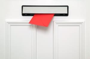 Muss ein Bußgeldbescheid per Einschreiben versendet werden?
