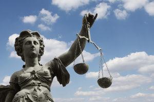 Formfehler können einen Einspruch gegen den Bußgeldbescheid begründen.