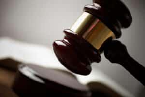 Beim Einspruch gegen den Bußgeldbescheid können Kosten entstehen.