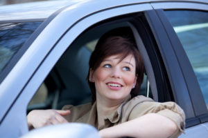 Bei einem Gesichtsfeldausfall das Autofahren weiterhin auszuüben, ist möglich.