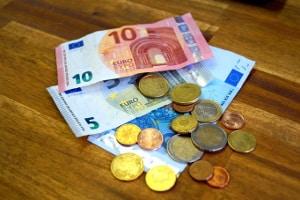Bei einer Akteneinsicht fallen Kosten für den Verwaltungsaufwand an.