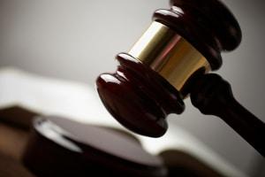 Erlangt eine richterliche Entscheidung Rechtskraft, ist diese bindend.