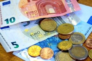 Beim Bußgeldverfahren fallen Gebühren an, die der Verkehrssünder zahlen muss.