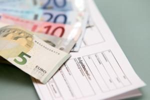 Wie hoch das Bußgeld oder das Verwarnungsgeld ausfällt, ist dem Bußgeldkatalog zu entnehmen