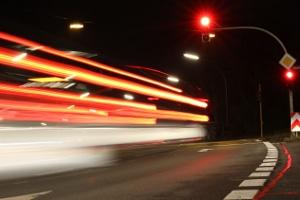 Um Unfälle zu vermeiden, sollten Sie die rote Ampel nicht überfahren