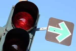 Vorfahrt wird am sichersten durch eine Ampel geregelt.