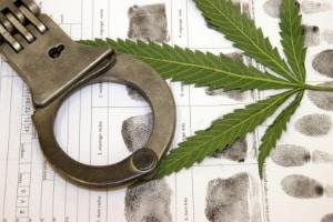 Cannabis am Steuer: Weiche Drogen werden nicht unbedingt weniger streng geahndet als harte Drogen.