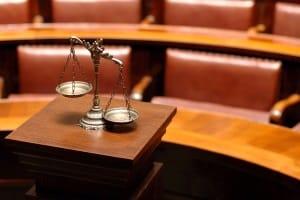 Selbstverschuldeter Unfall: Für Fahranfänger in der Probezeit ist das Gesetz besonders streng.