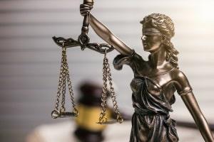 Für die Wiedereinsetzung in den vorigen Stand im Bußgeldverfahren ist § 52 OWiG relevant.