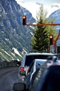 Rotlichtverstoß: Ein Fahrverbot lässt sich umgehen, wenn ein Augenblicksversagen vorliegt.