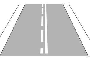 Auch eine durchgezogene Linie kann Überholverbot bedeuten.