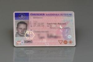 Führerschein weg: In der Probezeit bei einem A oder zwei B-Verstößen möglich.