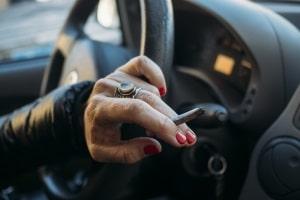 Manchmal lässt sich beim Führerscheinentzug wegen Drogenbesitz eine Sperrfristverkürzung erwirken.