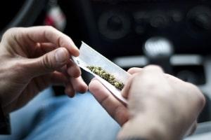 Ist der Führerscheinentzug wegen Drogenbesitz möglich?