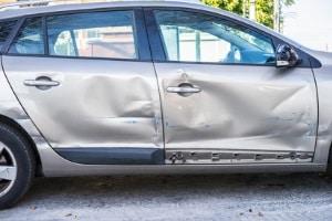 Wann droht beim Führerschein auf Probe nach einem Unfall mit Blechschaden ein Aufbauseminar?