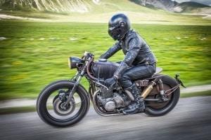 Führerschein Klasse 1b: Das Motorrad unterliegt bestimmten Beschränkungen.