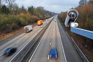 Geschwindigkeit messen beim Auto: Wie führt die Polizei eine Geschwindigkeitsmessung durch?