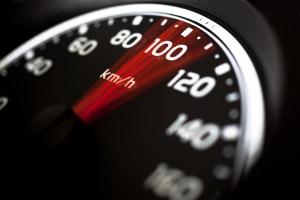 Eine Geschwindigkeitsübertretung kann ein Bußgeldverfahren nach sich ziehen.