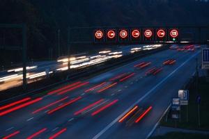 Bei einer Geschwindigkeitsübertretung können Sie Einspruch gegen den Bußgeldbescheid einlegen.