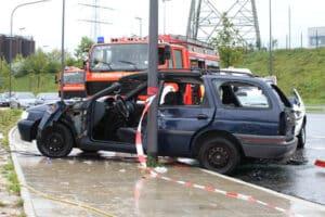 Im Straßenverkehr kommt es durch Fahrlässigkeit häufig zu Unfällen.