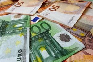 Geldstrafe: Eine Ratenzahlung ist meist per Antrag möglich.