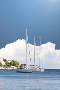 Bootsführerschein machen: Bestimmte Voraussetzungen sind zu erfüllen.